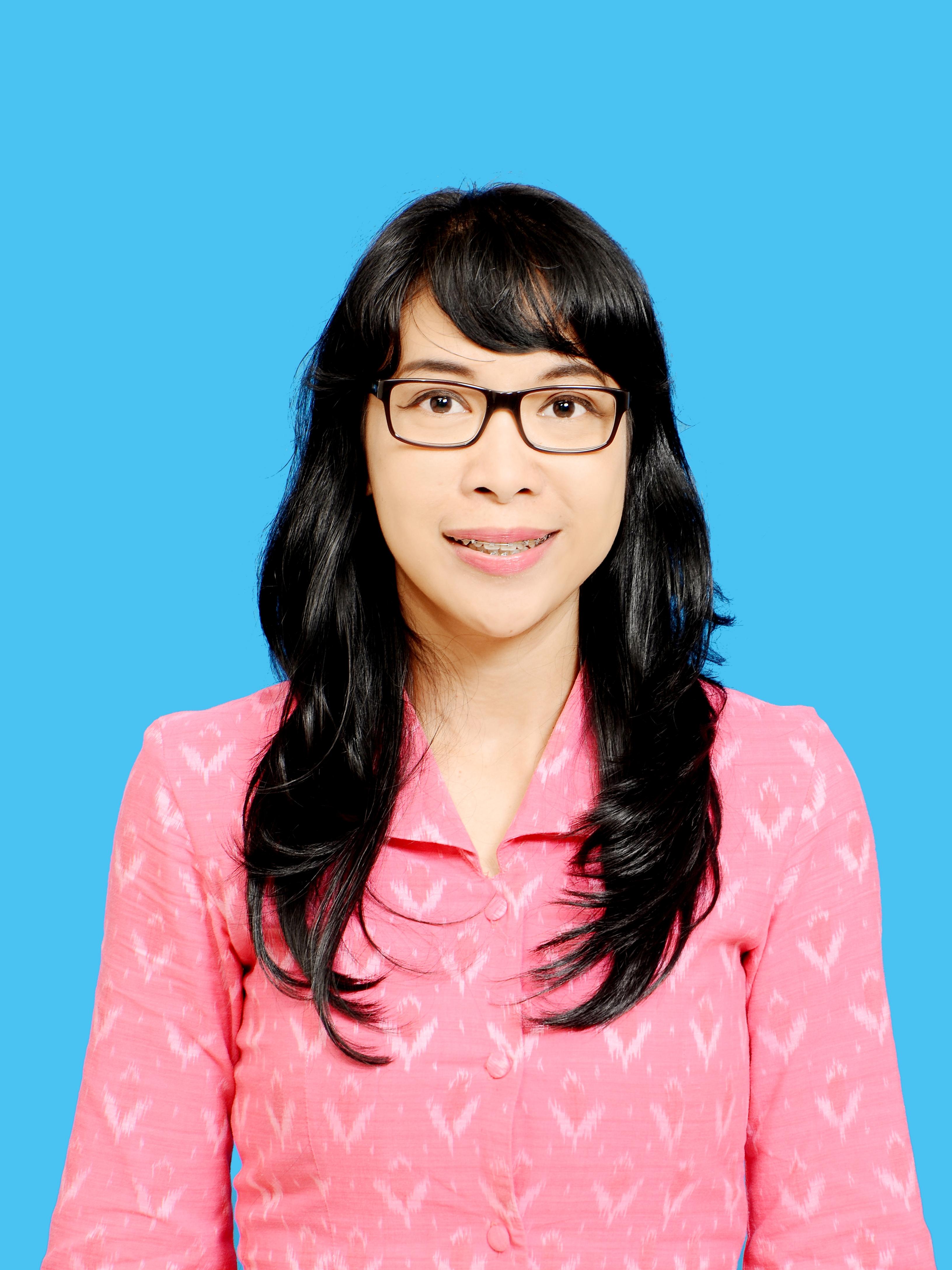 Sylviana Maya Damayanti